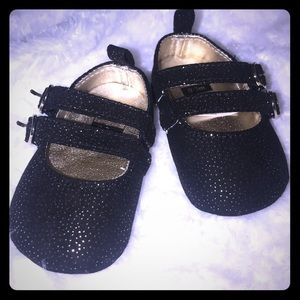 NWOT Black and Gold Slippers 0-3 months